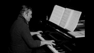 Gyorgy Cziffra à la Chaise Dieu en 1980  (France3 Auvergne/ capture d'écran)