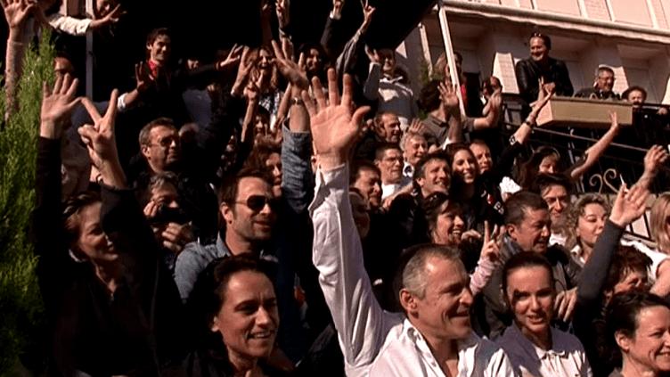 """""""L'hôtel des Bons Vivants"""" inauguré sous le soleil de Vittel par le collectif d'artistes propriétaires  (France 3 / Culturebox)"""