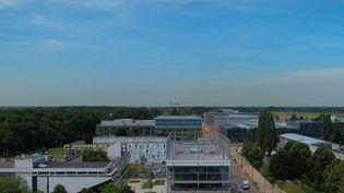 Une faculté française se classe dans le top 15 du prestigieux classement de l'université de Shanghai (Chine). L'université de Paris-Saclay se retrouve 14e, un niveau jamais atteint par un établissement français depuis l'apparition de ce palmarès. (France 2)