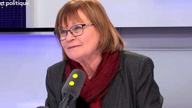 """Marie-George Buffet, députée communiste de Seine-Saint-Denis et ancienne ministre de la Jeunesse et des sports, était l'invitée de """"Tout est politique"""" mardi 27 février.  (FRANCEINFO)"""