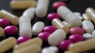 Photo d'illustration montrant des médicaments à Nantes (Loire-Atlantique), le 27 août 2019. (LOIC VENANCE / AFP)