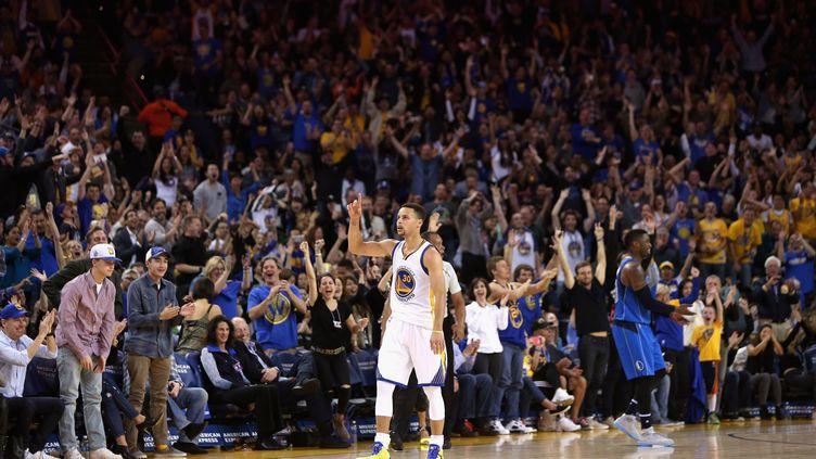 Stephen Curry a de nouveau marqué plus de trente points. (EZRA SHAW / GETTY IMAGES NORTH AMERICA)