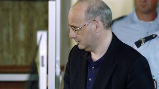 Jean-Claude Romand le 25 juin 1996 devant la cour d'assises de Bourg-en-Bresse. (PHILIPPE DESMAZES / AFP)