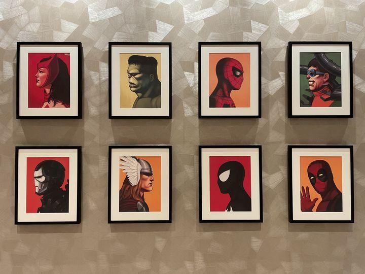 Spider-Man, Hulk mais aussi Deadpool. Les héros Marvel les plus connus mais aussi des personnages qui ne sont pas encore apparus dans des films du MCU sont présents un peu partout dans la galerie. (Anthony Jammot)
