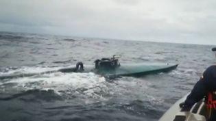 La drogue se livre désormais en sous-marin. Les garde-côtes américains ont arrêté dans le Pacifique un petit sous-marin contenant six tonnes de cocaïnes. Et ce n'est pas la première fois que cette situation se présente. (CAPTURE ECRAN FRANCE 2)