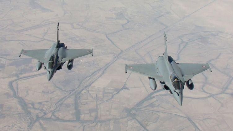 Des avions de combat Rafale français en mission de reconnaissance au-dessus de l'Irak, le 15 septembre 2014. (ECPAD / EMA / ARMEE DE L'AIR / AFP)