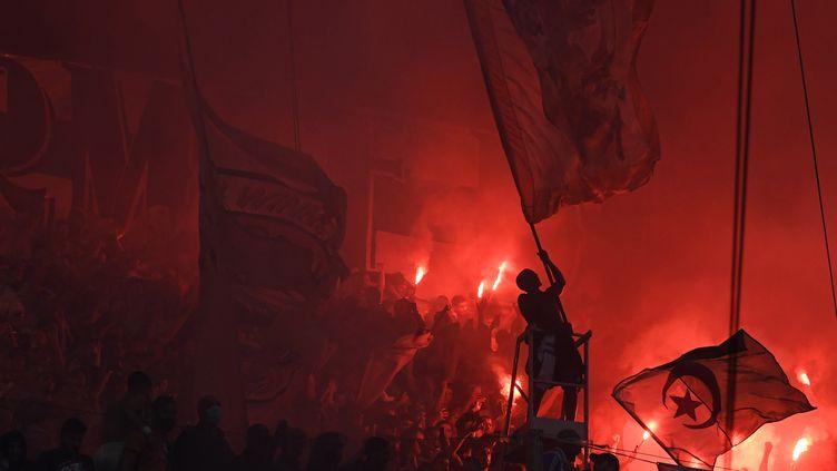 Devant le Vélodrome, des incidents avaient émaillés la soirée du dimanche 24 octobre. (NICOLAS TUCAT / AFP)