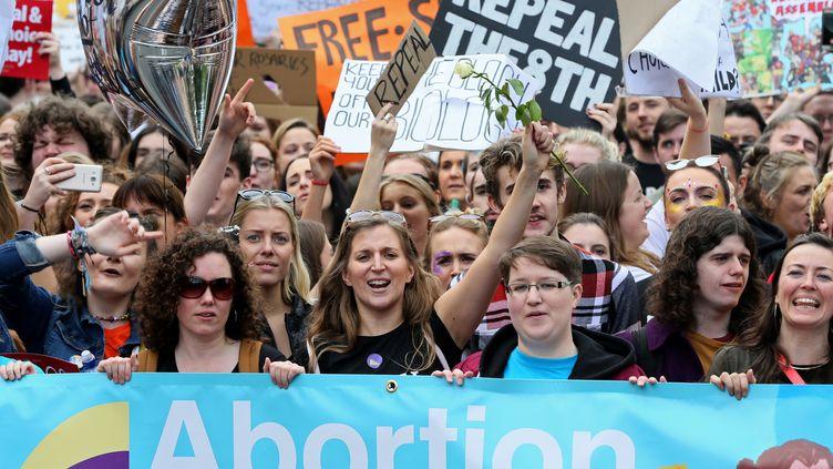 Manifestation pour la légalisation de l'avortement à Dublin (Irlande), le 30 septembre 2017. (PAUL FAITH / AFP)