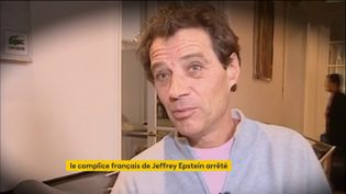 Jeffrey Epstein, suicidé cet été en cellule, est accusé d'avoir mis en place un réseau de jeunes filles dont il abusait. Depuis jeudi 17 décembre au soir, le Français Jean-Luc Brunel a été placé en garde à vue. L'agent de mannequins est accusé de viols par plusieurs anciens top-modèles. (FRANCEINFO)