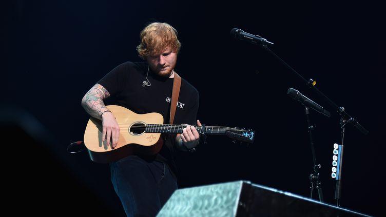Le chanteur Ed Sheeran, lors d'un concert au Barclays Center à Brooklyn (Etats-Unis), le 30 septembre 2017. (ILYA S. SAVENOK / GETTY IMAGES NORTH AMERICA / AFP)