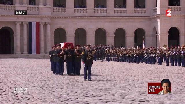 """VIDEO. """"Le chant des déportés"""", à la fin de l'hommage national à Simone Veil"""
