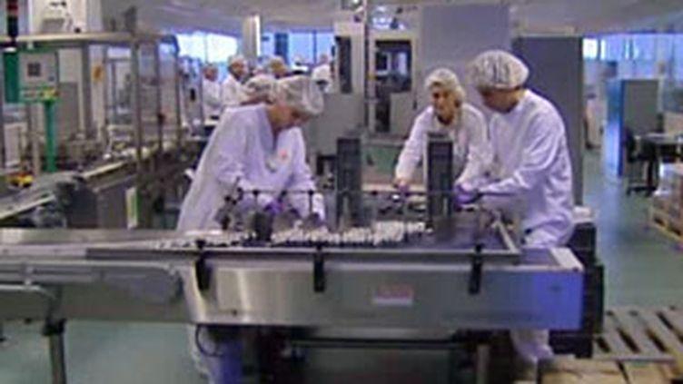 Des salariés du laboratoire GlaxoSmithKline, à Rouen (France 3 Normandie)