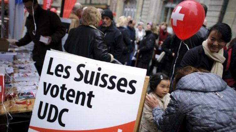 L'UDC (droite populiste) est annoncé grand favori du scrutin. (FABRICE COFFRINI / AFP)