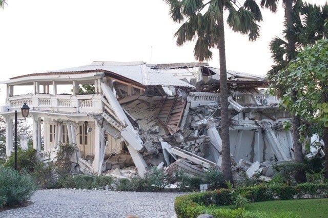 La résidence de l'ambassadeur de France à Port-au-Prince n'a pas résisté au séisme du 12 janvier 2010 (Photo Jacques Marie)