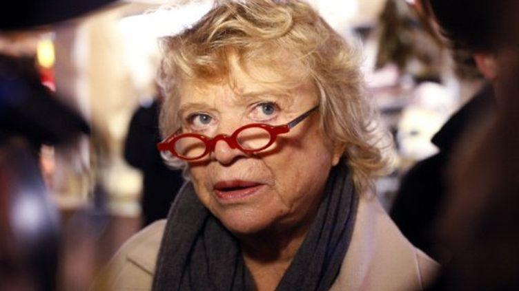 Eva Joly, au marché de Noël de la gare Montparnasse en décembre à Paris (AFP PHOTO/THOMAS SAMSON)