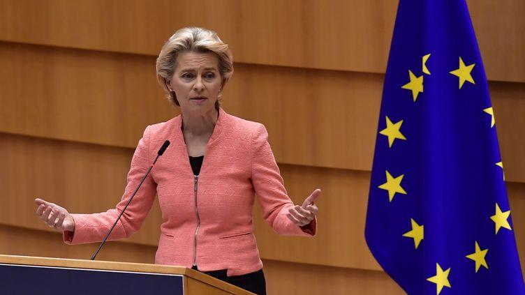 La présidente de la Commission européenne, Ursula von der Leyen, prononce son premier discours sur l'état de l'UE, le 16 septembre 2020, à Bruxelles (Belgique). (JOHN THYS / AFP)