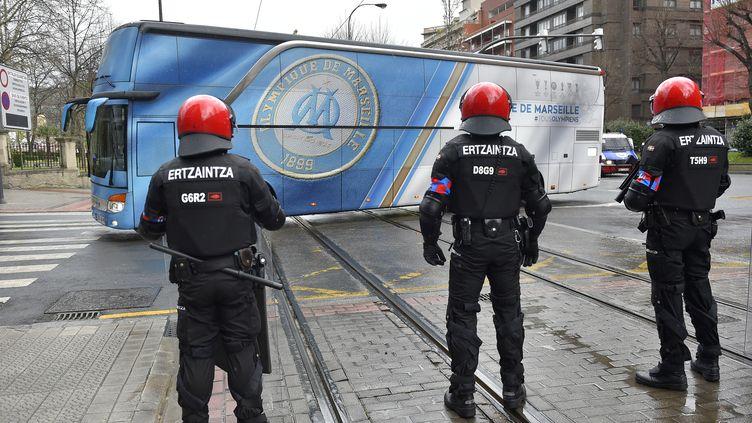 Deux agents de sécurité basques blessés par des supporters marseillais (ANDER GILLENEA / AFP)