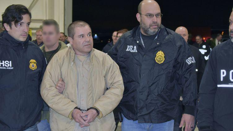 Le narcotrafiquant Joaquin Guzman, le 19 février 2019, lors de son extradition vers les Etats-Unis. (HO / US DEPARTMENT OF JUSTICE / AFP)