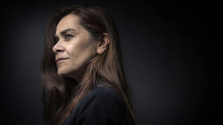 """La romancière d'origine iranienne Négar Djavadi est l'auteur de """"Désorientale"""", récompensé par le prix Roman-News. Le livre est largement inspiré du passé de l'écrivaine.  (JOEL SAGET / AFP)"""