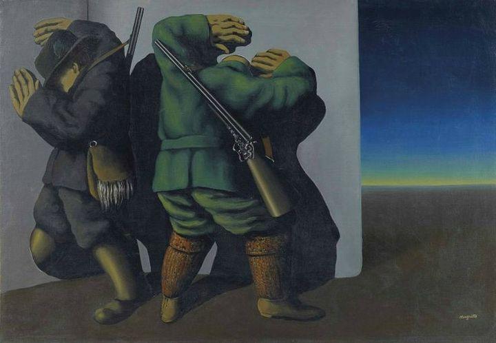 """""""Les chasseurs au bord de la nuit"""" (1928) de René Magritte  (Photo Christie's Image Ltd 2014)"""
