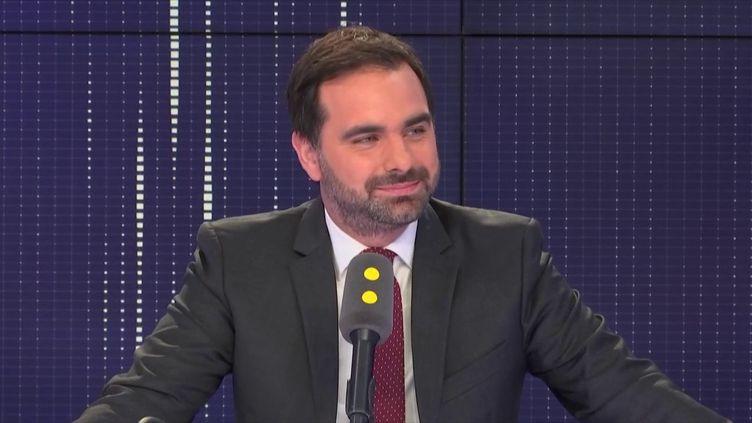 Le député La République en Marche Laurent Saint-Martin, invité de franceinfo vendredi 10 août. (RADIO FRANCE)