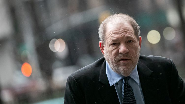 L'ancien producteur Harvey Weinstein arrive au tribunal, à New York, le 11 février 2020. (JEENAH MOON / REUTERS)