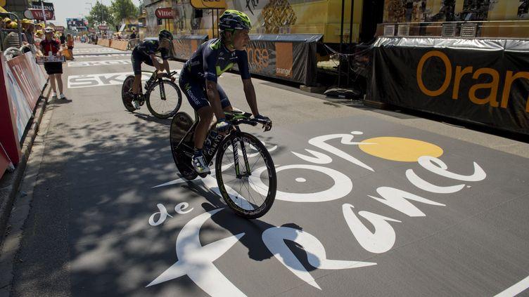 Nairo Quitana (Movistar) termine sa reconnaissance du parcours (ERIC FEFERBERG / AFP)