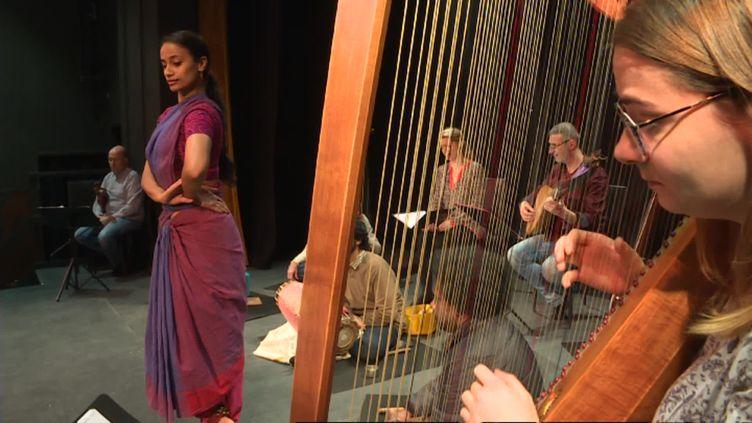 Bakhtimêle baroque et nusique indienne (O. Mayer / France Télévisions)
