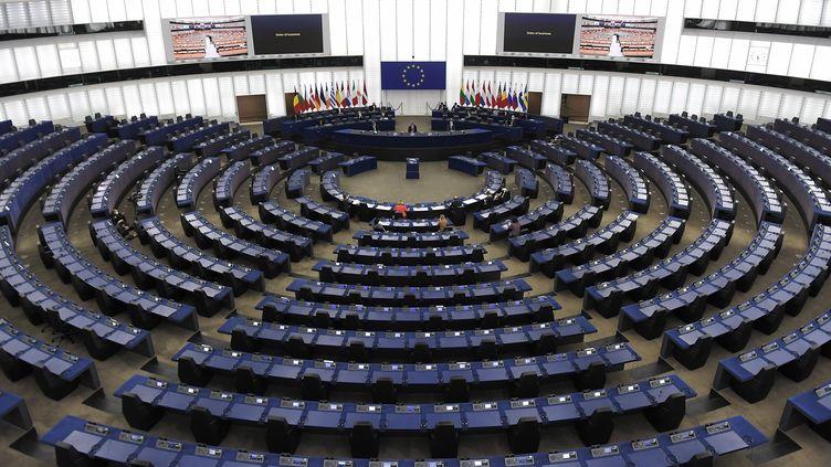 Le président du Parlement, David Sassoli, dans l'hémicycle, le 14 décembre 2020, à Strasbourg (Bas-Rhin). (FREDERICK FLORIN / AFP)