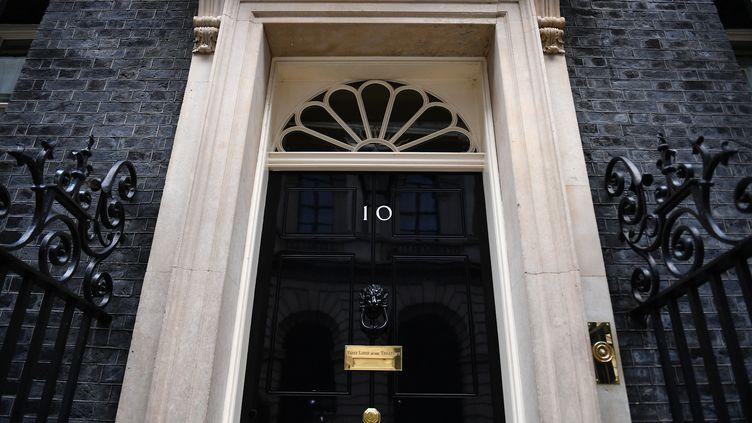 L'entrée du 10 Downing Street, la résidence du Premier ministre britannique, à Londres, le 29 octobre 2019. (DANIEL LEAL-OLIVAS / AFP)
