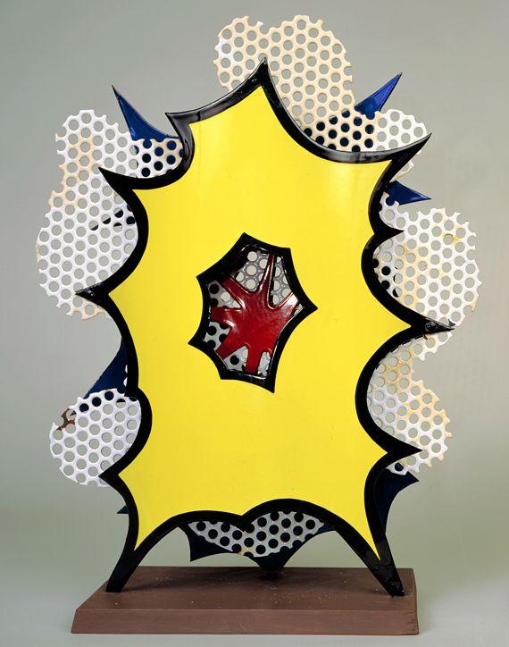 """""""Small Explosion (Desk Explosion)""""[Petite explosion (explosion de bureau)], 1965.Porcelaine émaillée sur acier, socle en bois,54 x 40,6 x 15,2 cm.Collection particulière. (ESTATE OF ROY LICHTENSTEIN NEW YORK / ADAGP, PARIS, 2013)"""