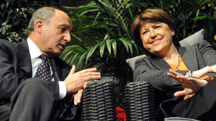 Laurent Fabius et Martine Aubry à Elbeuf (Seine-Maritime) le 2 février 2010 (AFP - ROBERT FRANCOIS)