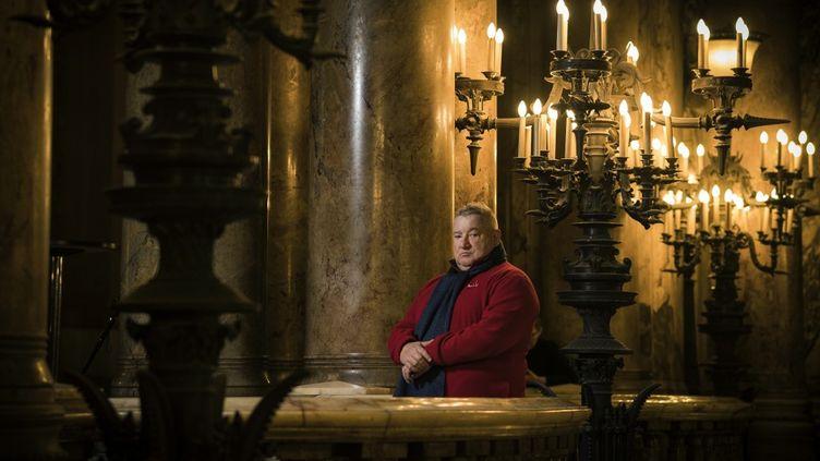 Le plasticien français Claude Lévêque à l'opéra Garnier à Paris, le 30 décembre 2018. (LIONEL BONAVENTURE / AFP)