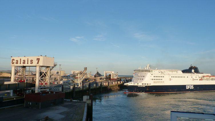 Traversée de la Manche en ferry, depuis Calais (Pas-de-Calais) vers Douvres (Royaume-Uni). (MATTHIEU DARRIET / FRANCE-BLEU NORD)