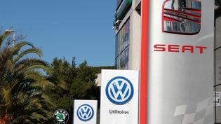 Un concessionnaire Volkswagen, à Nice (Alpes-Maritimes). (JEAN-MICHEL EMPORTES SYLVESTRE)