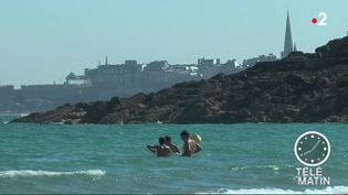 Près d'une plage à Dinard. (France 2)
