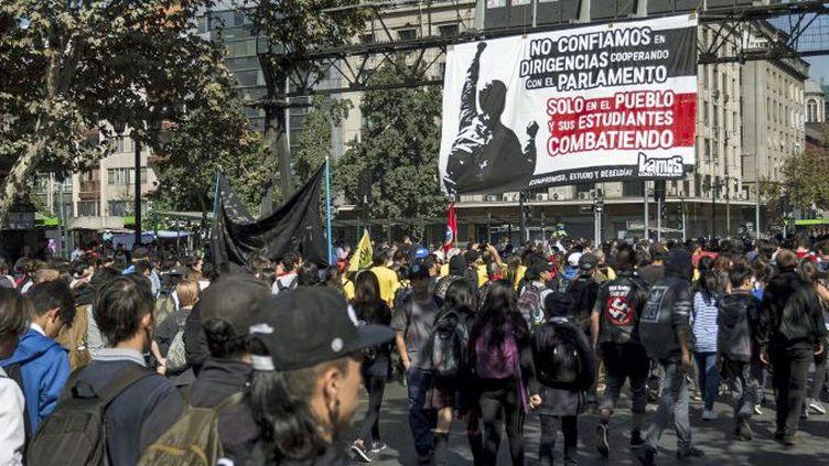 Manifestation étudiante à Santiago, le 11 avril 2017. (AFP - Nurphoto - Mauricio Gomez)