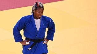 Romane Dicko vise une médaille de bronze sur les tatamis de Tokyo, le 30 juillet 2021. (CHARLY TRIBALLEAU / AFP)