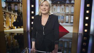 """Marine Le Pen, candidate du FN à la présidentielle, lors de l'émission """"Parole de candidat"""" sur TF1, le 5 mars 2012. (JOEL SAGET / AFP)"""