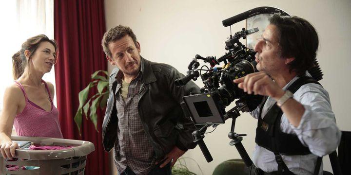 """Yvan Attal sur le tournage de """"Ils sont partout"""" avec Charlotte Gainsbourg et Dany Boon  (La Petite Reine - David Koskas)"""