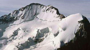 L'avalanche s'est déclenchée, mardi 15 septembre 2015, au Dôme de neige des Ecrins (Hautes-Alpes). (MAXPPP)