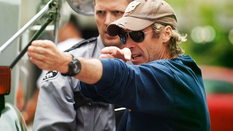 """Le réalisateur Michael Bay sur le tournage de """"No Pain No Gain"""" en 2013. (PARAMOUNT PICTURES / ARCHIVES DU 7EME ART / AFP)"""