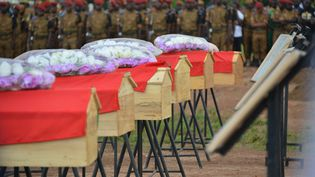 Les funérailles de soldats fin aout àOuagadougou (Burkina faso), après la mort de ces militaires lorsque leur véhicule a roulé sur une mine. (STR / AFP)