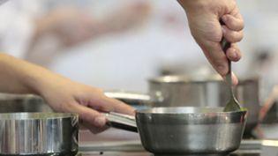 Complément d'enquête. Violences en cuisine, à couteaux tirés (COMPLÉMENT D'ENQUÊTE/FRANCE 2)