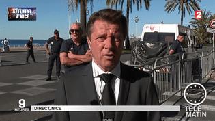 Capture d'écan de l'interview de Christian Estrosi, le 15 juillet 2016, au lendemain de l'attentat à Nice (Alpes-Maritimes). (FRANCE 2)