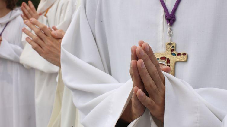 Cent cinquante nouveaux prêtres ont été ordonnés fin juin et début juillet 2012 en France. (GODONG / ROBERT HARDING WORLD IMAGERY)