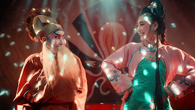 A droite la comédienne Gan Guidan (Film Huo Zhe Chang Zhe)