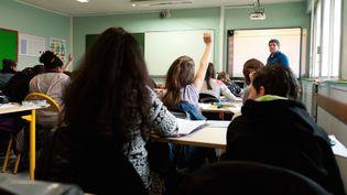 Une classe d'un collège de Merdrignac (Côtes-d'Armor), le 13 mars 2015. (MATHIEU PATTIER / SIPA)