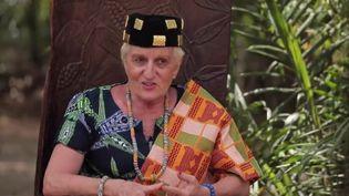 Elle est la reine de Lovisa Kopé au Togo. Marie-Claude Lovisa, une Française originaire de la région lyonnaise, ne pensait jamais vivre une telle existence. (Capture d'écran France 2)