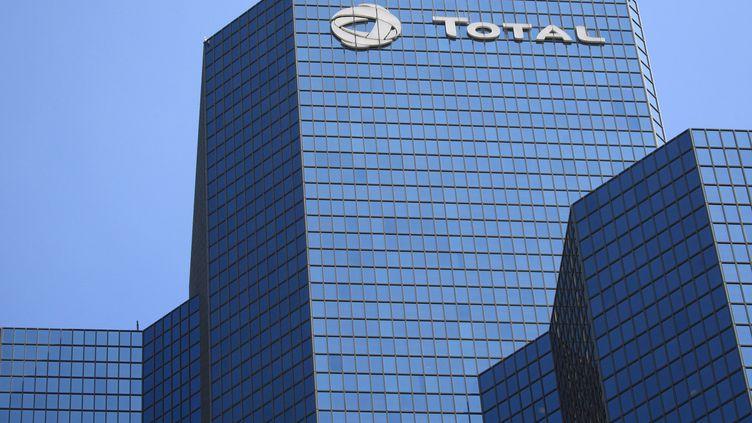 Immeuble Total dans le quartier de La Défense à Puteaux-Paris. (MAXPPP)